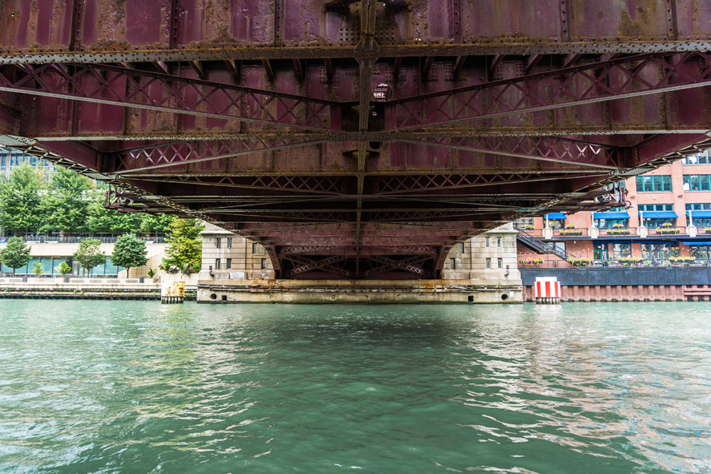 Walk along one of the best places in Chicago: the Riverwalk