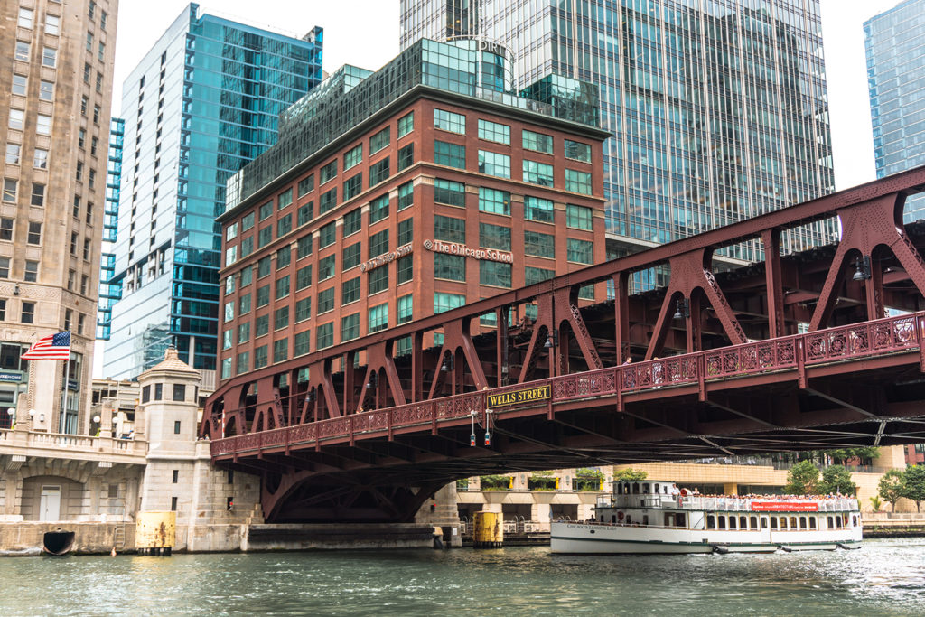 One of the best things to do in Chicago is the Riverwalk