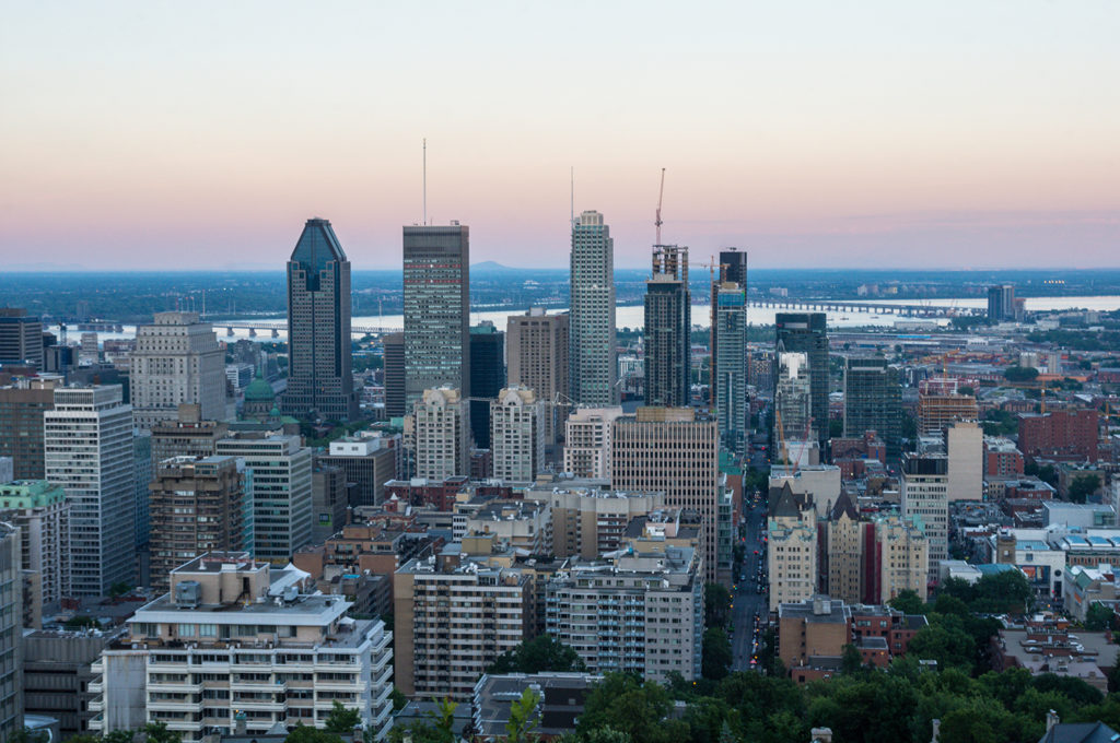 The Best Thing to do in Montreal is going up Mont-Royal and enjoy the view over the city.